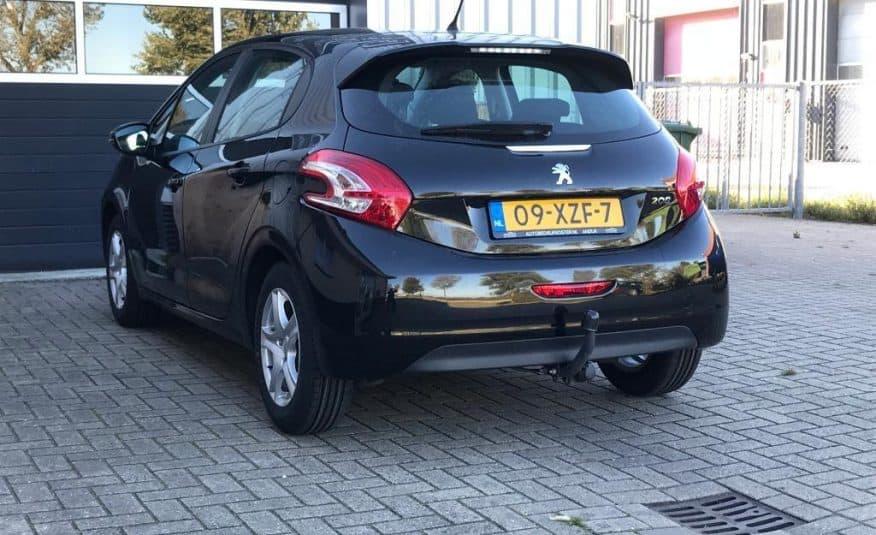 Peugeot 208 1.2 VTI 60KW/82PK 5-D 2012 Zwart